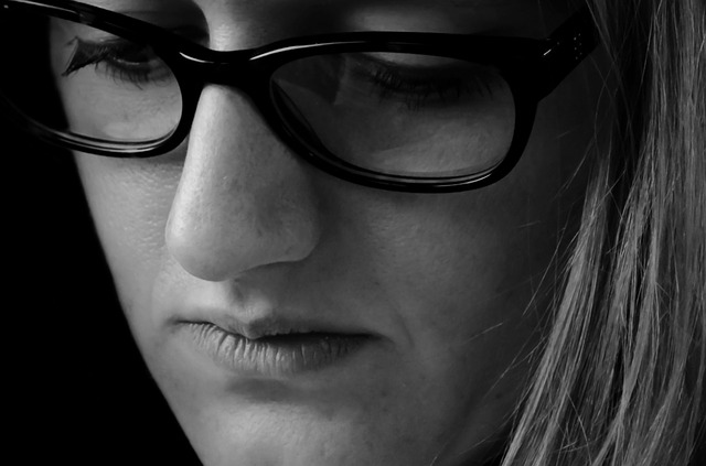 sad woman black and white